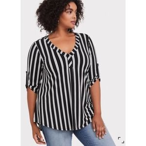 Torrid Size (00) Harper TOP Roll Tab Sleeve Stripe